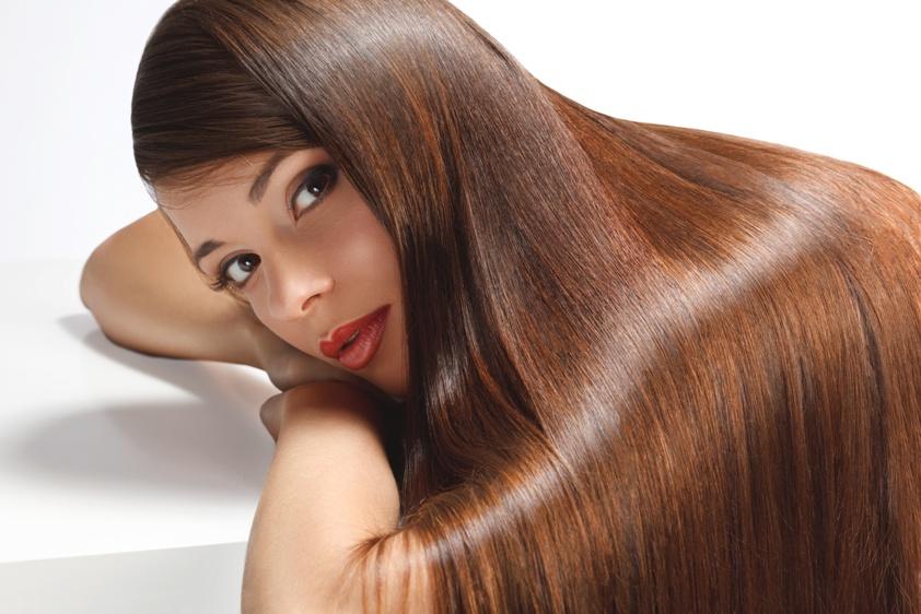 Nie dziel włosa na czworo. Poznaj skuteczną terapię na wypadanie włosów.